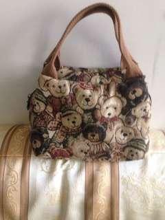 Gini Bear 吉尼小熊經典手拿包