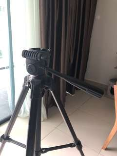 Tripod for camera/camcorder