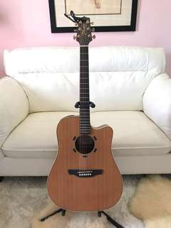 BARELY USED - Takamine D series ED05SC (Acoustic/Electric)