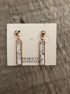 Classy Korean style marble print earrings in white