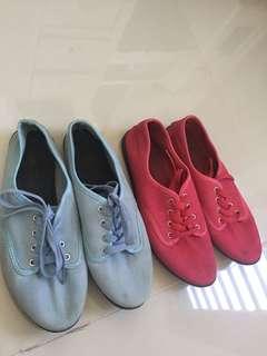 2 bundle of shoes