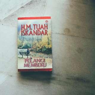 Pelangi Membeku - H.M. Tuah Iskandar