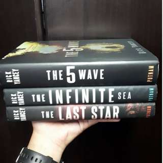 The 5th Wave Trilogy (Hardbound)