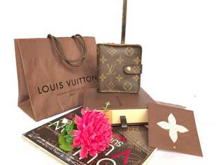 Authentic Louis Vuitton Mono Zipper Wallet