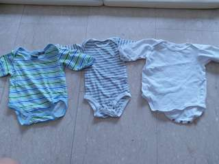 Newborn bodysuits long sleeve bundle (3 pieces)