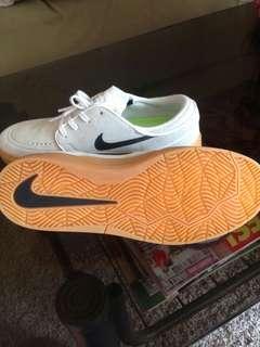 Nike sb. Janoski size 9