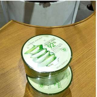 NATURE REPUBLIC ALOE VERA SOOTHING & MOISTURE.