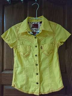 📣服飾任3件9折喔!Levi's黃色襯衫