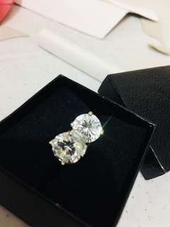 REPRICED 925 Diamond earrings *Zirconia Bought in US! super nice