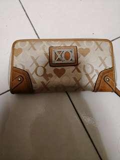 Price reduction! Xoxo Wallet