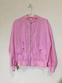 粉色飛行外套