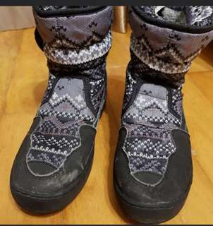 Universal Traveller Winter Shoes Size 36