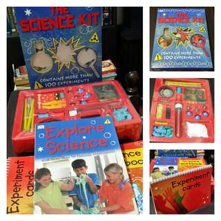 DK's The Science Kit: Contains More Than 100 Experiments (for kids 8+) (with adult supervision)