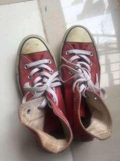Sepatu converse merah high