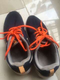 Sepatu nike roshe run navy orange