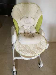 Combi Rishena parenting station (rocker and high chair)