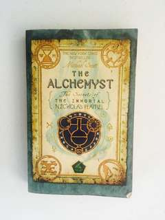 The Alchemist: The Secrets of the Immortal Nicholas Flamel
