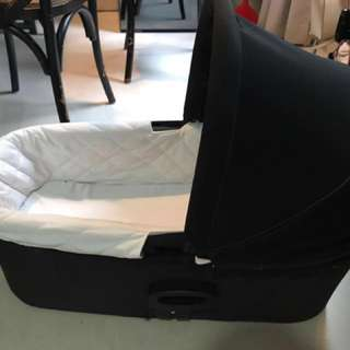 Baby Jogger Deluxe Bassinet Attachment