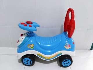 Doreamon toddler car