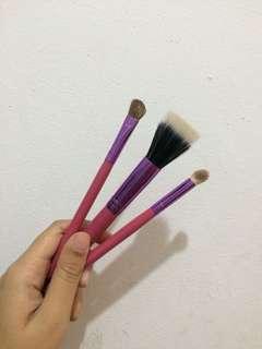 Brush buy 1 get 3