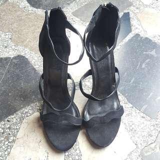 Parisian Zip up Heels