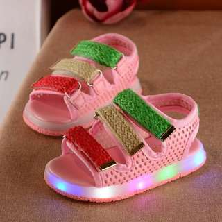 Shoes with light