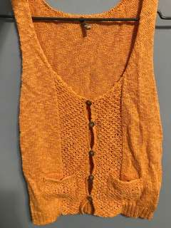 🚚 暖橘黃針織扣子背心