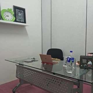 Meja ofis kaca