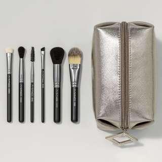 MAC Brushes - Look In A Box: Basic Brush Kit - BRAND NEW