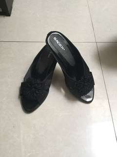 Sandal Hitam Uk.41