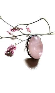 Beautiful Large Rose Quartz Ring Size 7 (Canada) Size 14 (Asia). Set in 925 Silver.