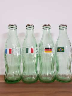 COCA COLA COLLECTIBLE GLASS BOTTLES
