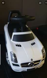 Mercedes Benz SLS AMG ride on toy car