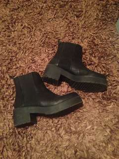 Windsorsmith Eagar boot size 6