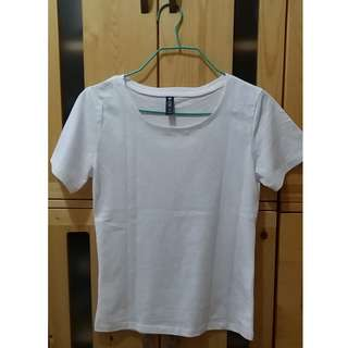 白色短袖T恤