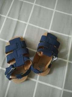 Sepatu/sandal anak lelaki