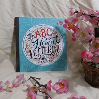 ABC Hand Lettering (Buku Panduan Belajar Kaligrafi dan Seni Menulis Modern) - Full Color dan Kertas Licin