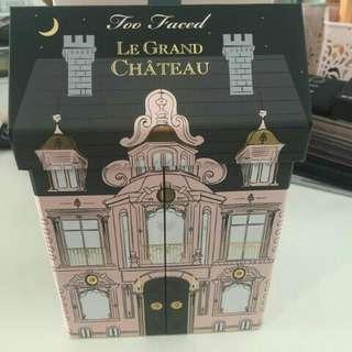 Too faced Le Grand Chateau Palettes