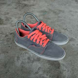 Vans, Kress TB6Q in Grey