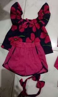 Baby blouse and shorts with headband