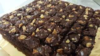 Walnut Brownies Super Yummy