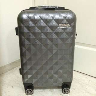 "(BRAND NEW) 20"" SARO VINCI Luggage with …"