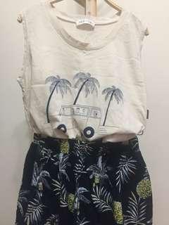 背心 加菠蘿印花短裙