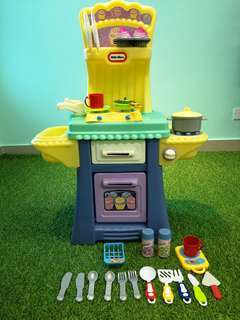 Little Tikes cupcake kitchen set