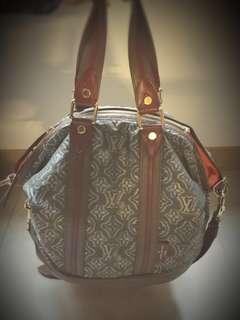 Louis Vuitton Aviator Prefall Handbag