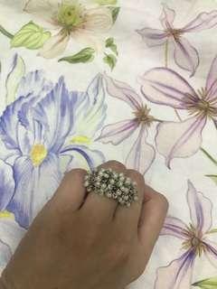 White pearl metallic rings