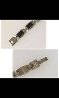 Almost brand new - bracelet