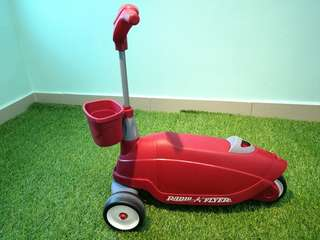 Radio Flyer 2 in 1 scooter
