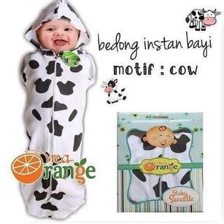 SWADDLE WITH ZIP (COW DESIGN)
