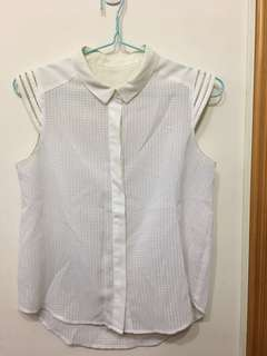 白色雪紡top